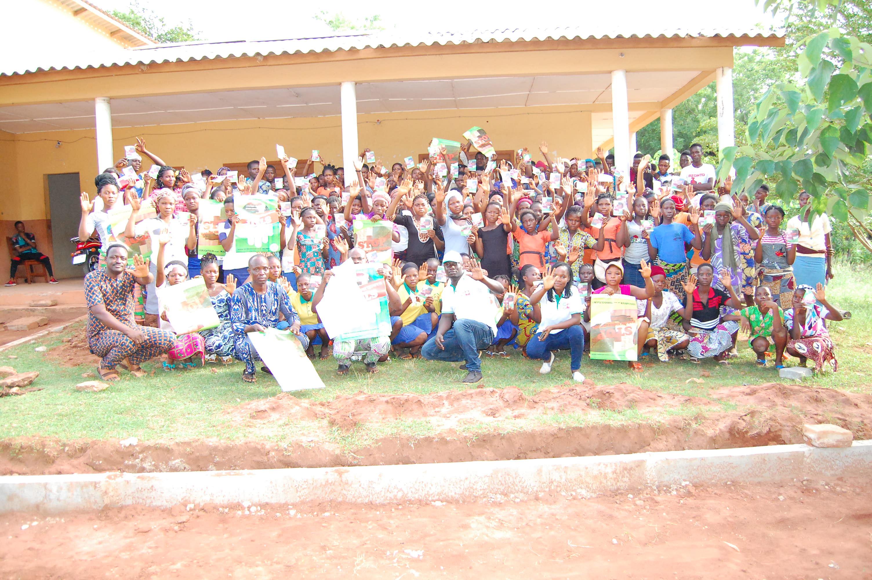« STOP HARCÈLEMENT SEXUEL » : LA COMMUNE DE KPOMASSE REÇOIT PeACE-ONG